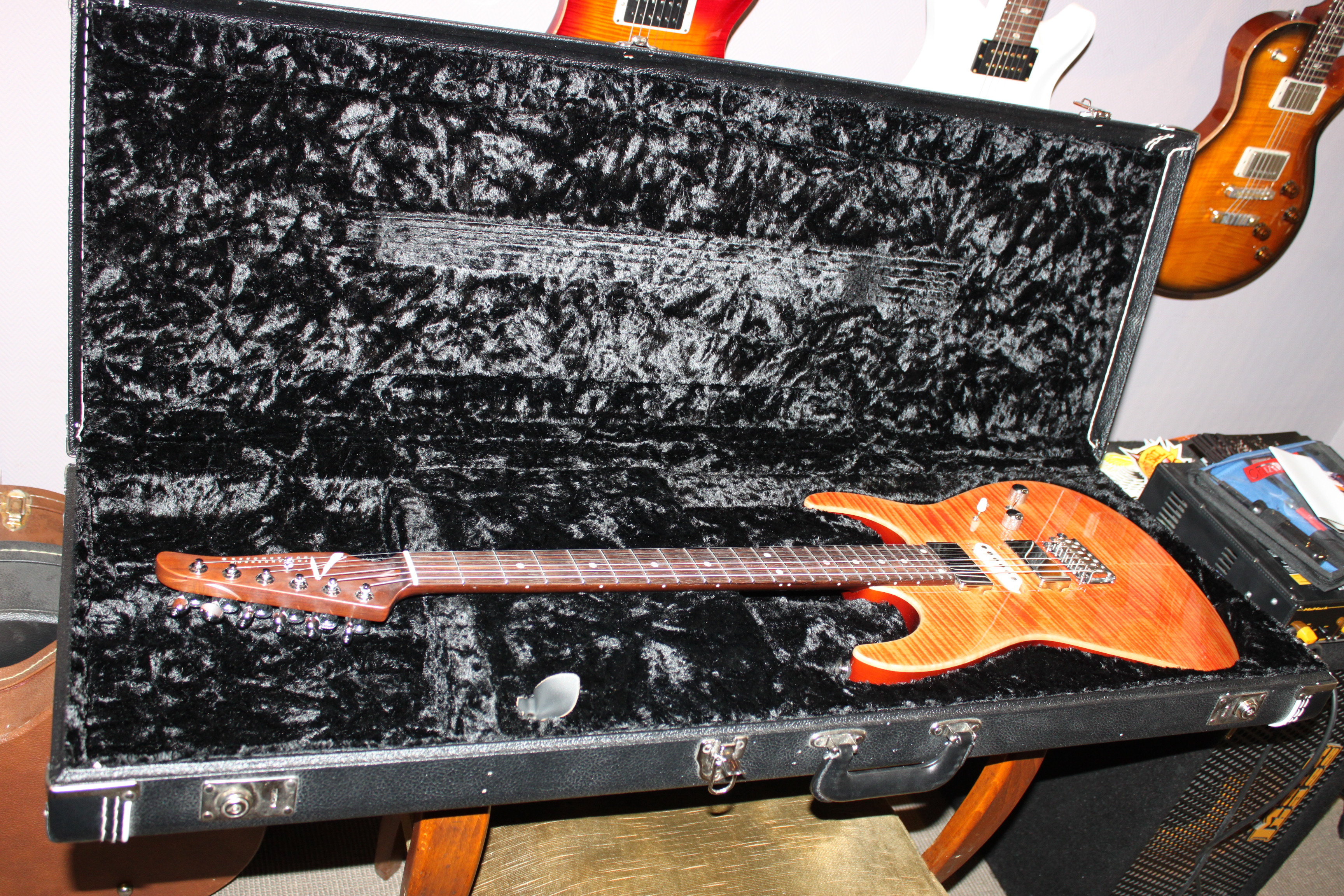 Electric Guitars Tom Anderson Angel OCCASION Coral 3200 €