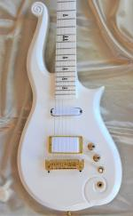 CLOUD   PRINCE GUITAR REPLICA